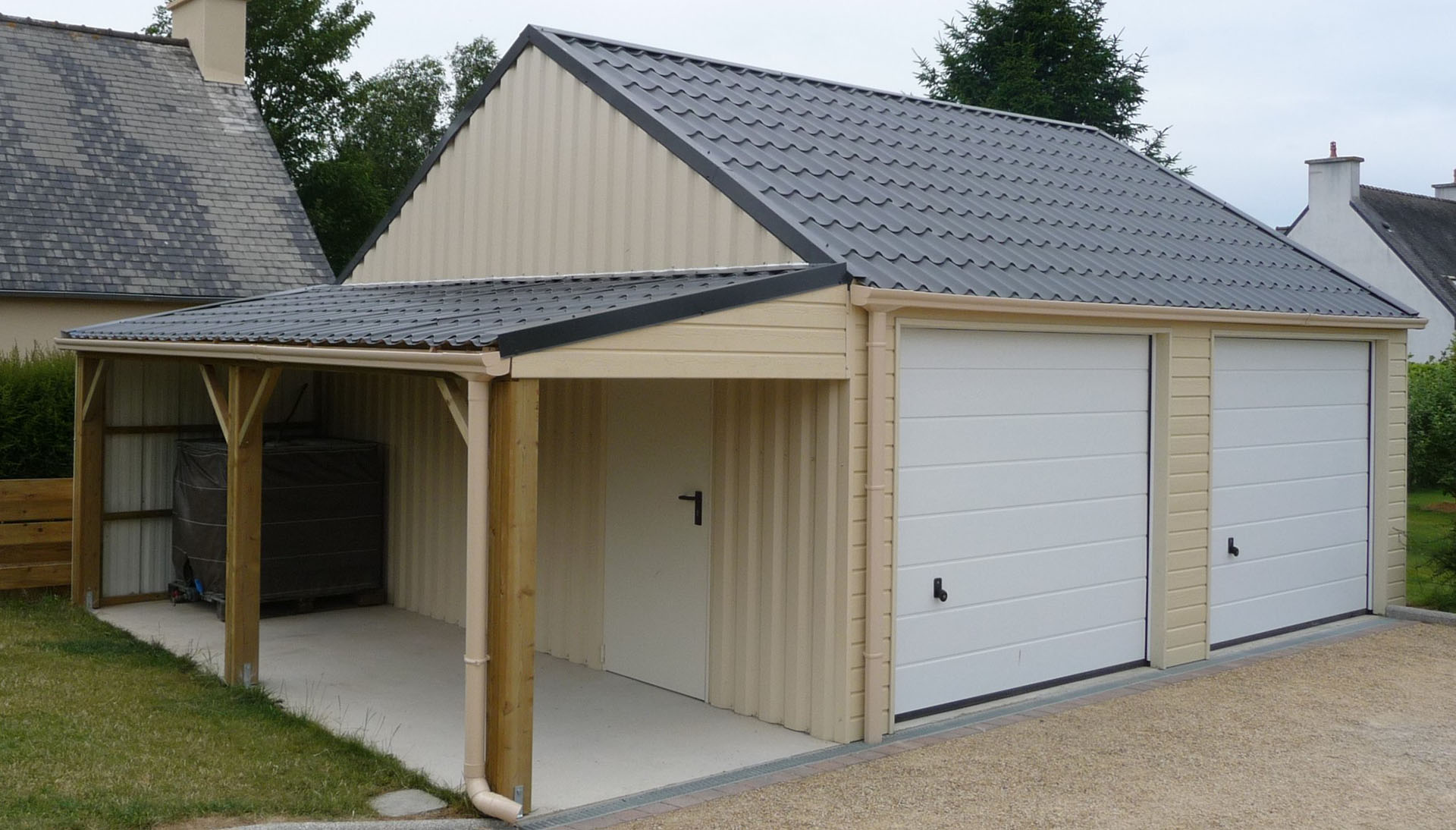 Garage sur mesure en bretagne for Imposition garage ou abri de jardin